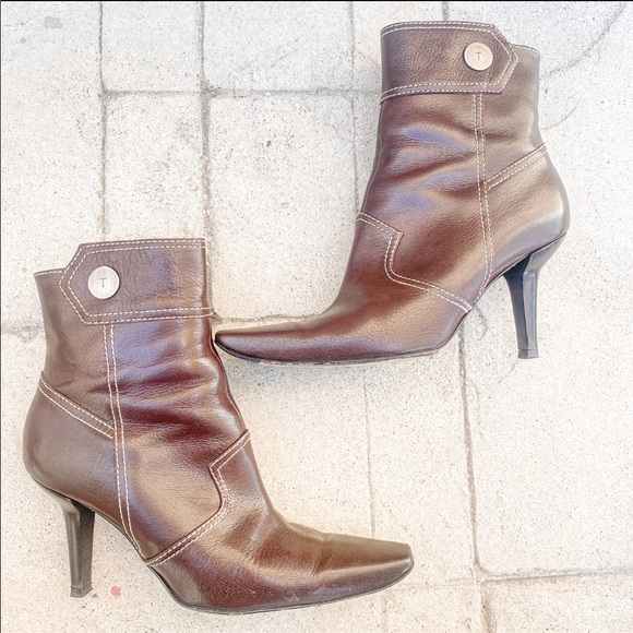 Tod's valetto zip high booties boots size 38